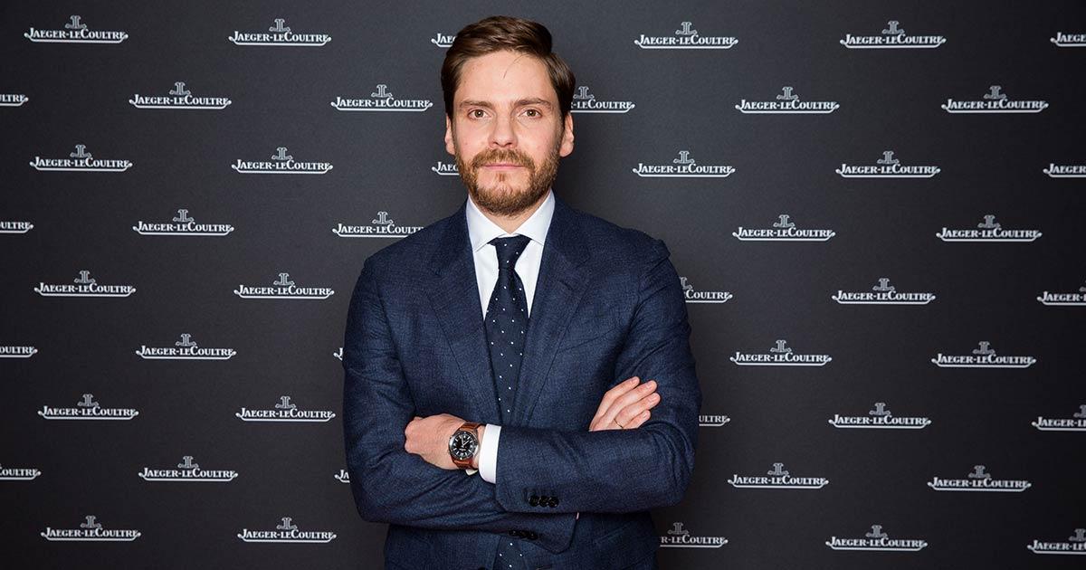 Daniel Brühl ist bekannt dafür gerne Uhren von Jaeger-Le Coultre zu tragen. ©Debora Zeyrek